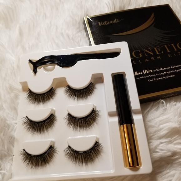 Magnetic lashes kitwith 3 pairs of eyelashes